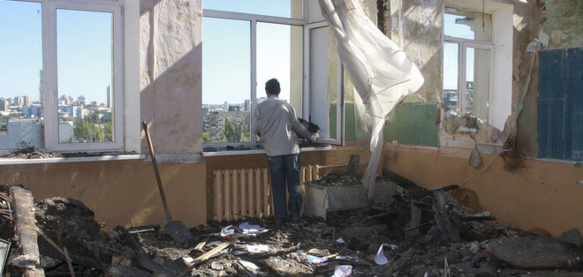 В Донецке с утра слышны залпы из крупнокалиберного оружия