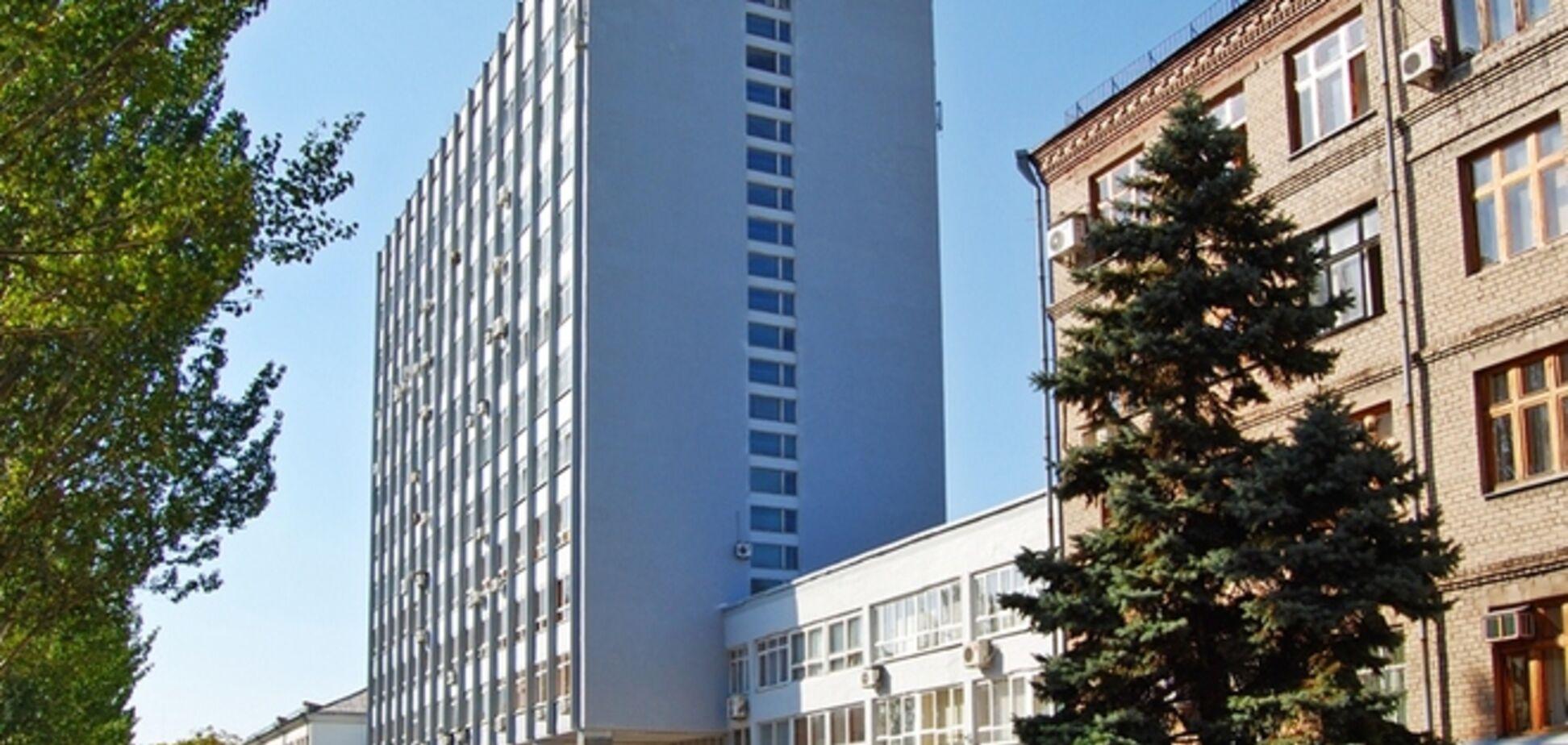 Донецкий национальный университет эвакуируют на подконтрольную Украине территорию