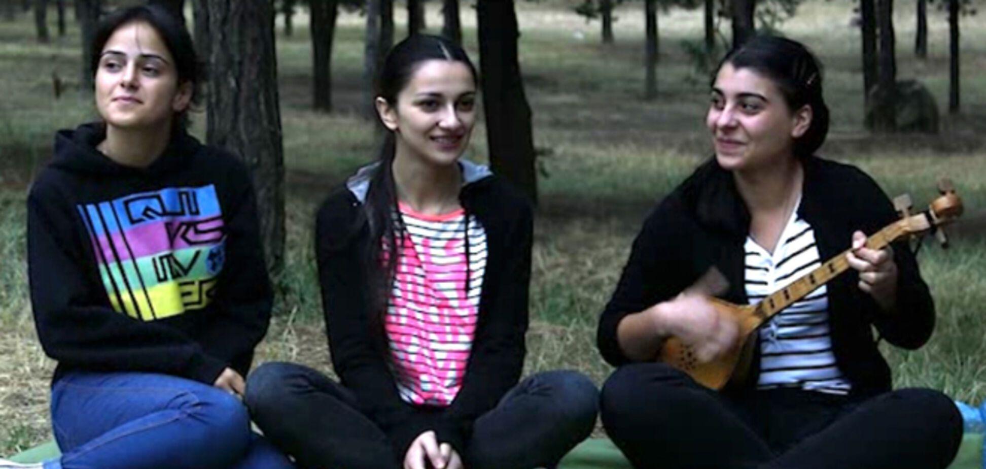 Три обычные грузинки взорвали интернет песенным видео-селфи