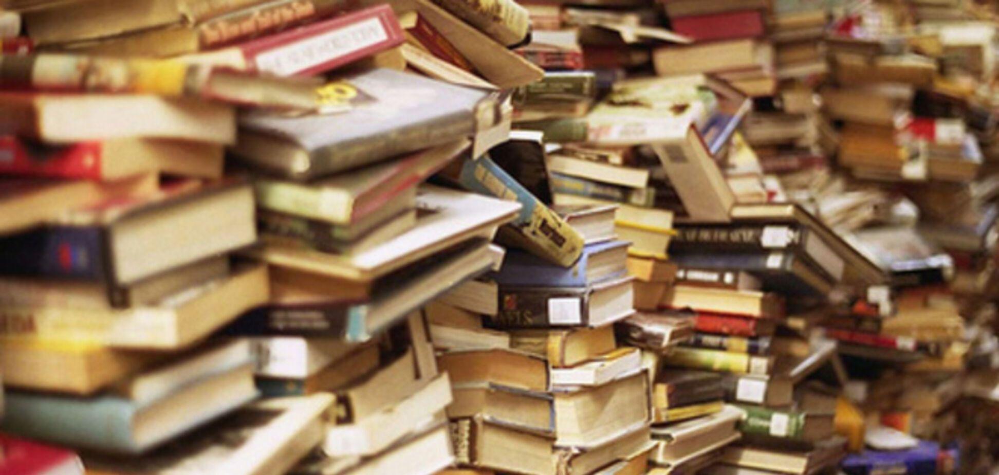 Террористы в школах Стаханова уничтожают украинскую символику и меняют учебники на русские