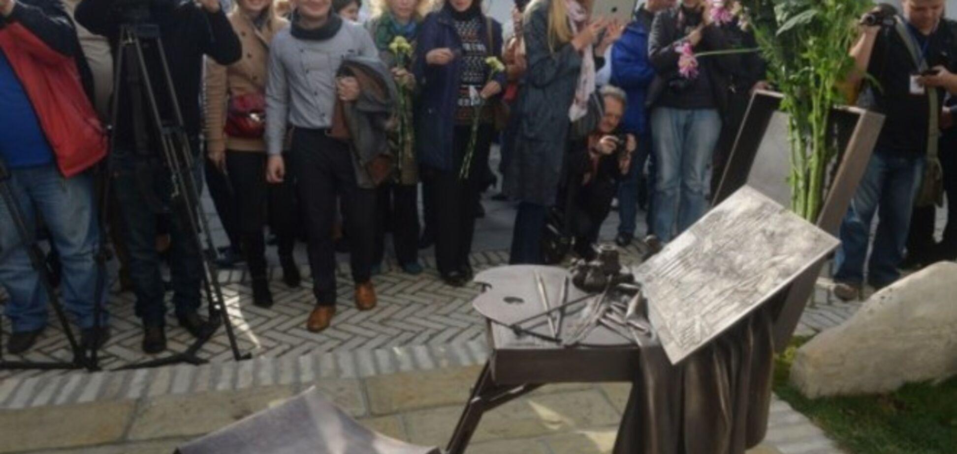 В Киево-Печерской лавре открыли памятный знак Шевченко