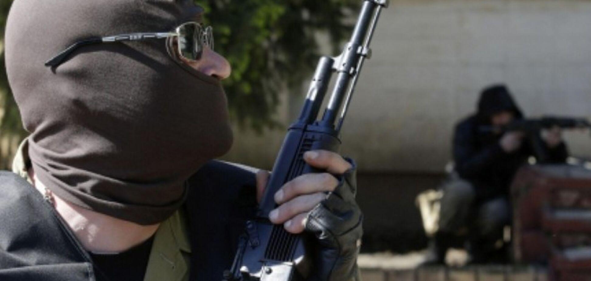 Луганские террористы заставляют людей продавать за копейки свои дома
