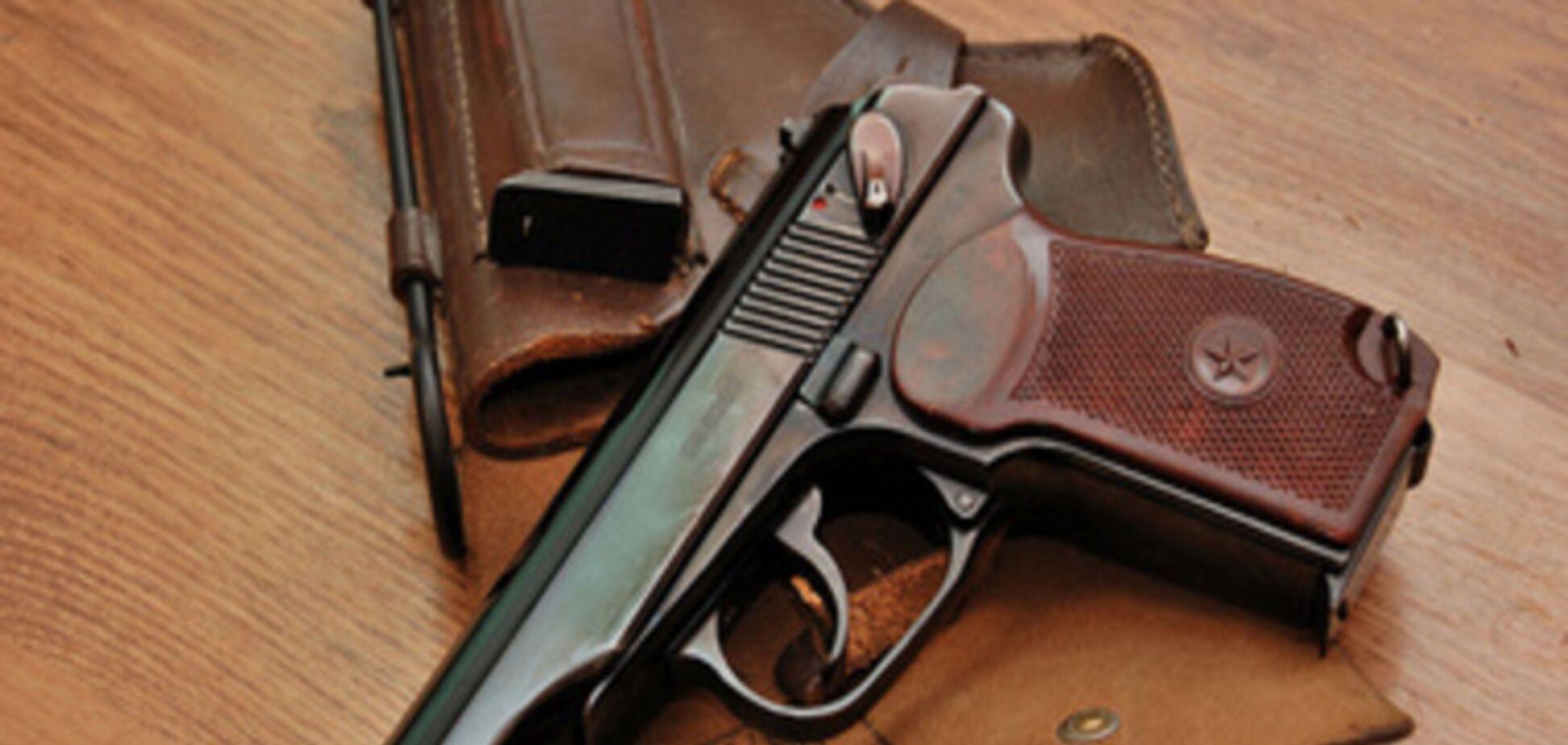 На Запорожье милицейский спецназовец прострелил себе грудь