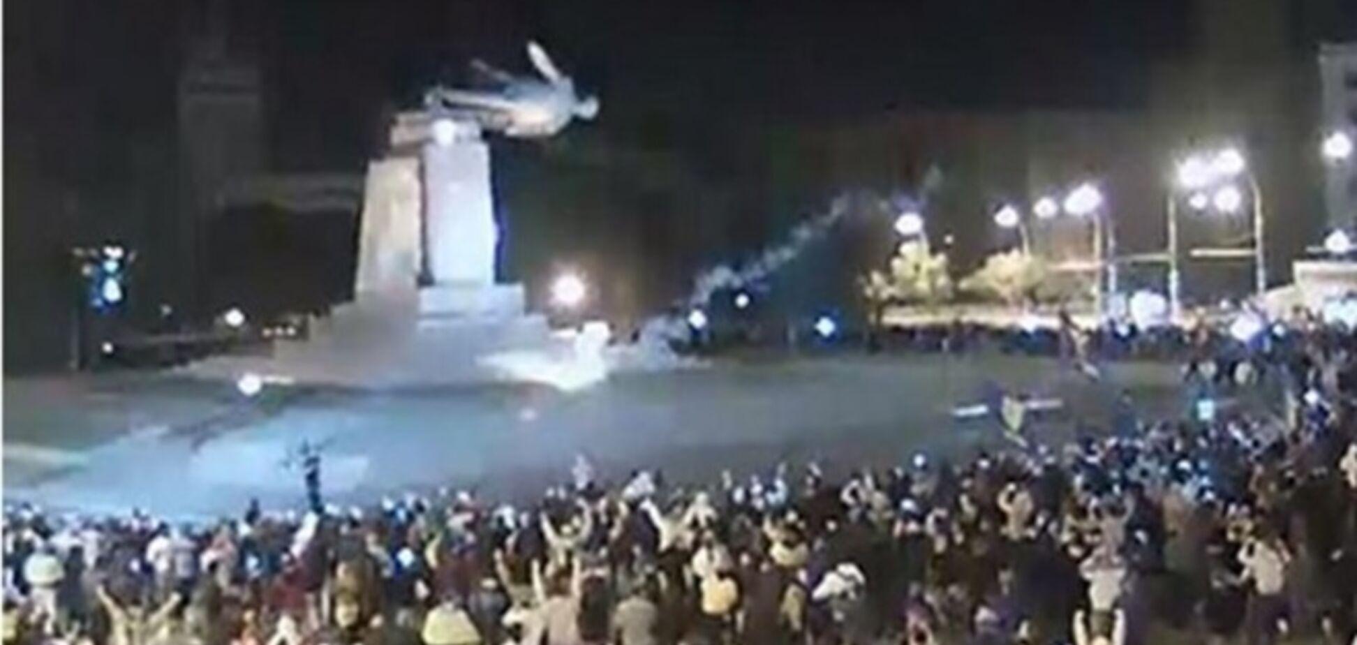 Многие харьковчане возмущены сносом памятника Ленину