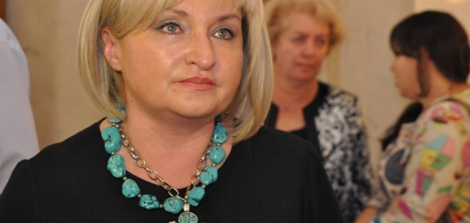Луценко расплакалась: мне страшно, но я не прятала сына, он воюет в АТО!