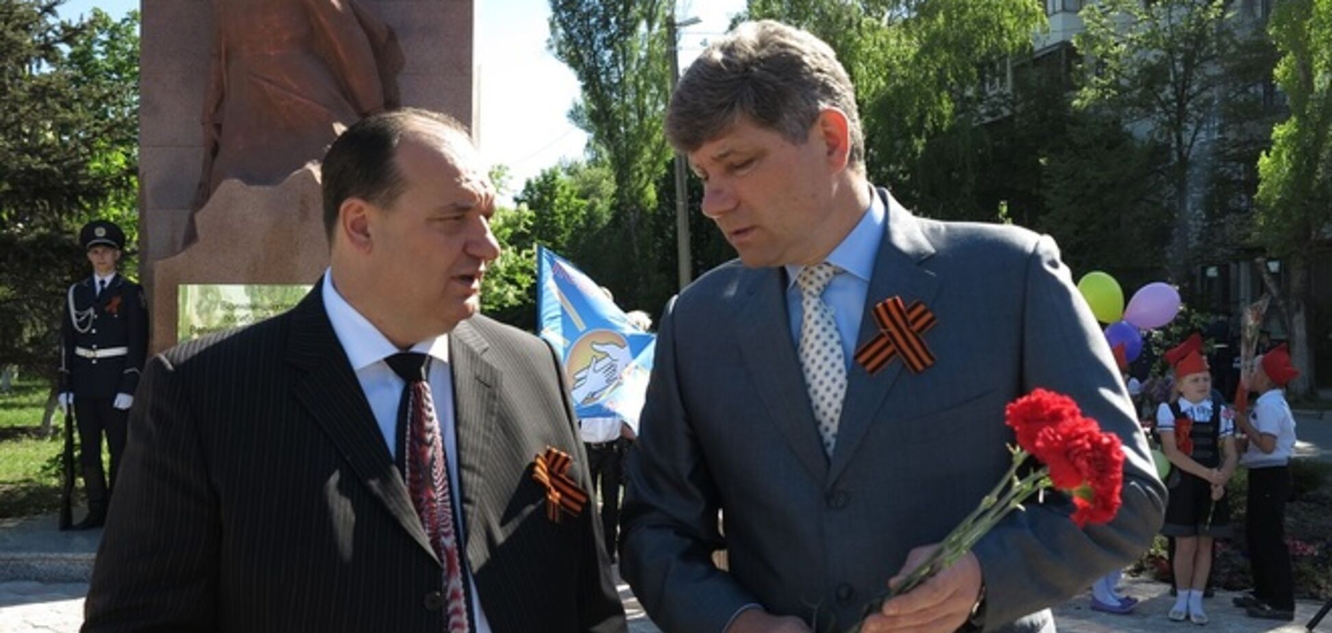 Луганщина предвыборная: 'поддельный' Шахов, настоящий Струк и загнанный в угол Ефремов
