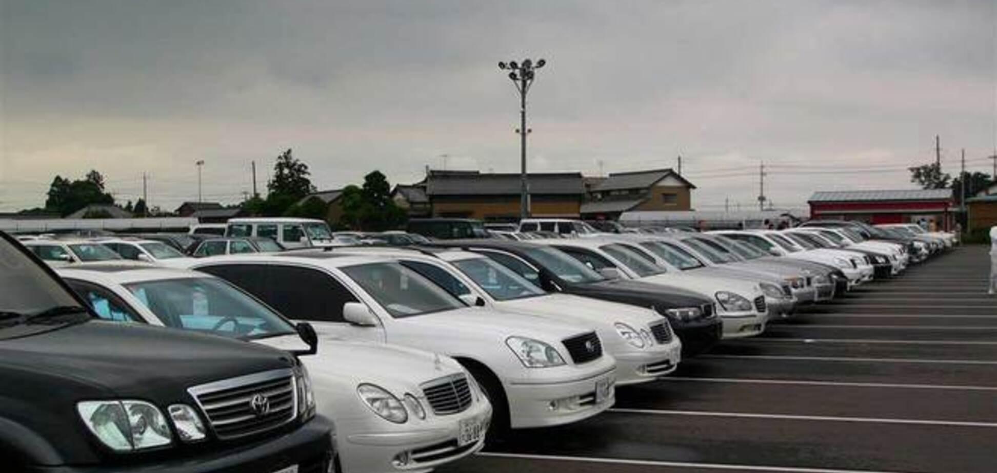 В Украине ввели четыре новых налога для владельцев авто