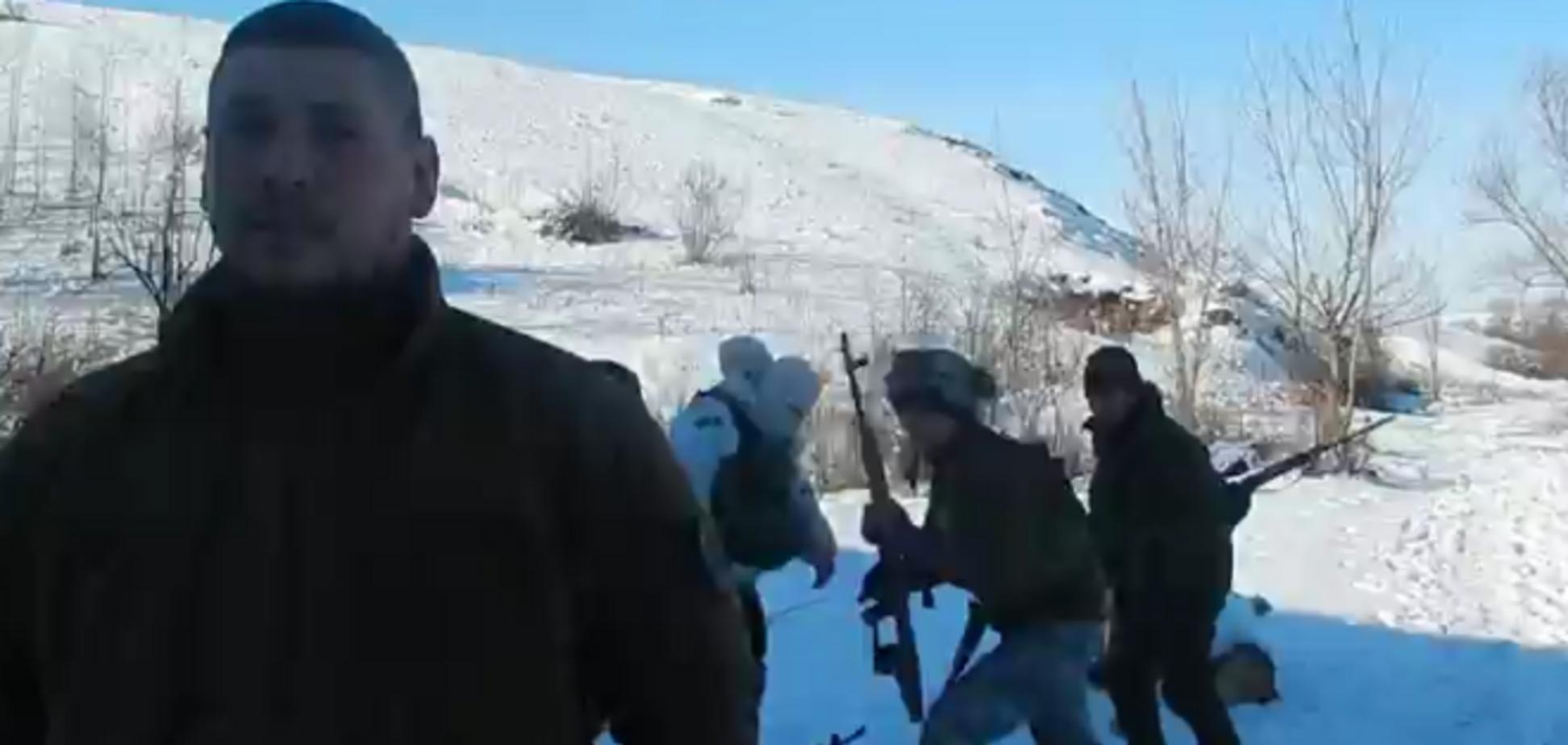 Боєць 'Азова' мало не загинув під Волновахою під час інтерв'ю: відеофакт