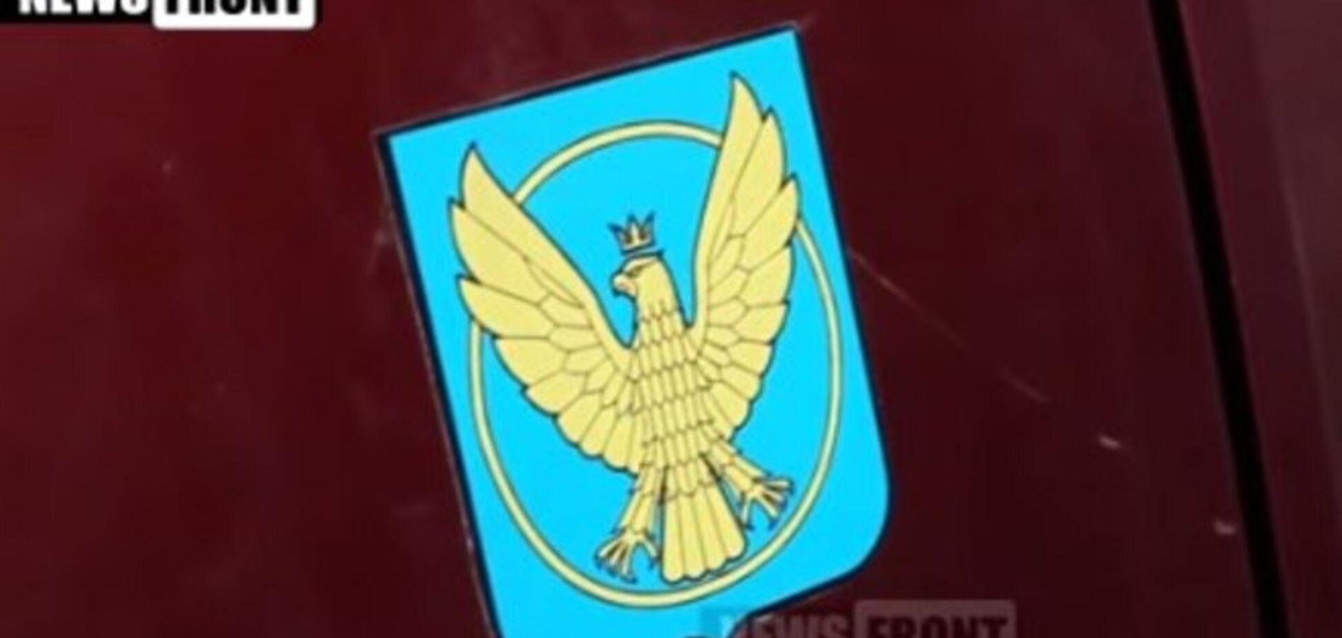 Боевики перепутали герб Коломыи с польским: видео неудавшегося разоблачения 'наемников из Польши'