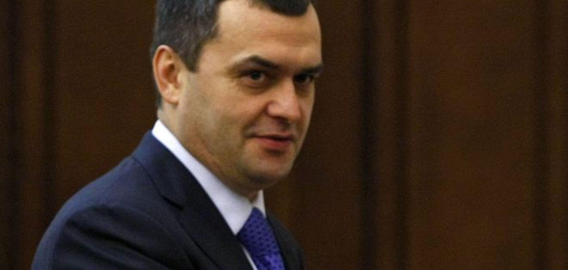 Экс-министр МВД Захарченко объявился в Крыму и почтил память погибших 'беркутовцев'