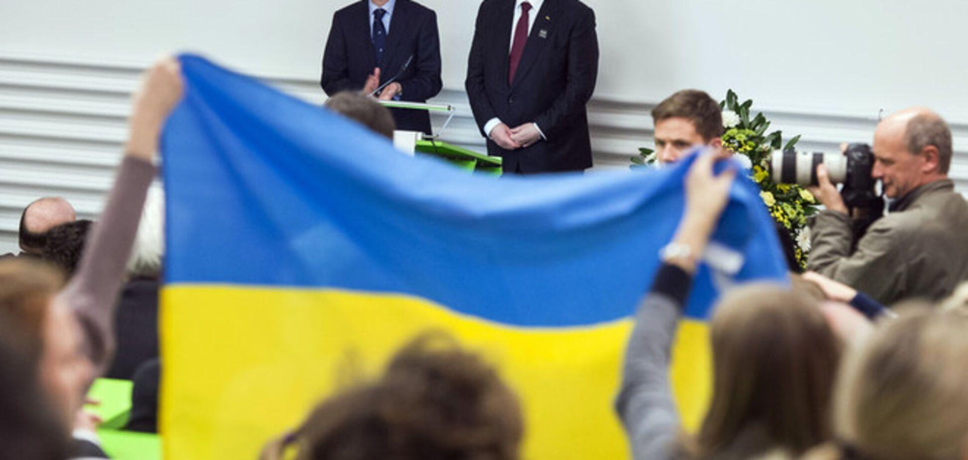 Порошенко призвал Европу объединиться после терактов в Париже и Волновахе