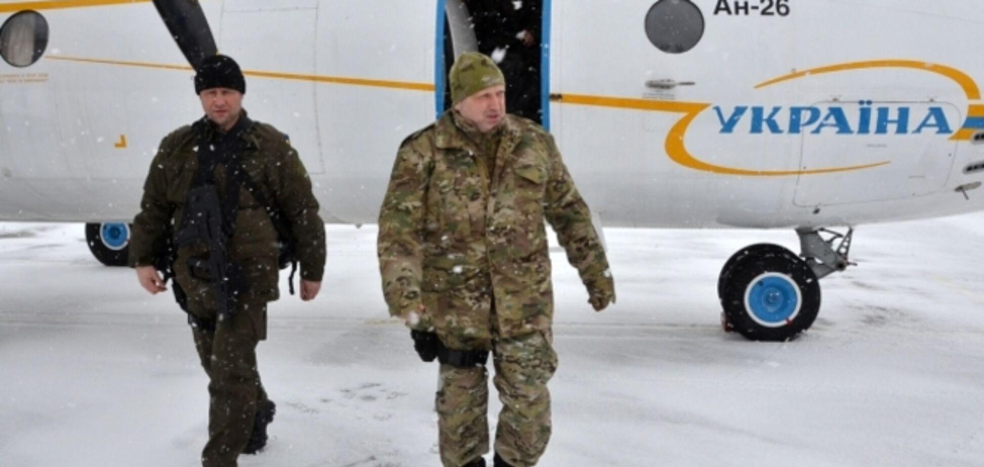 Турчинов экстренно выехал в зону АТО: опубликованы фото
