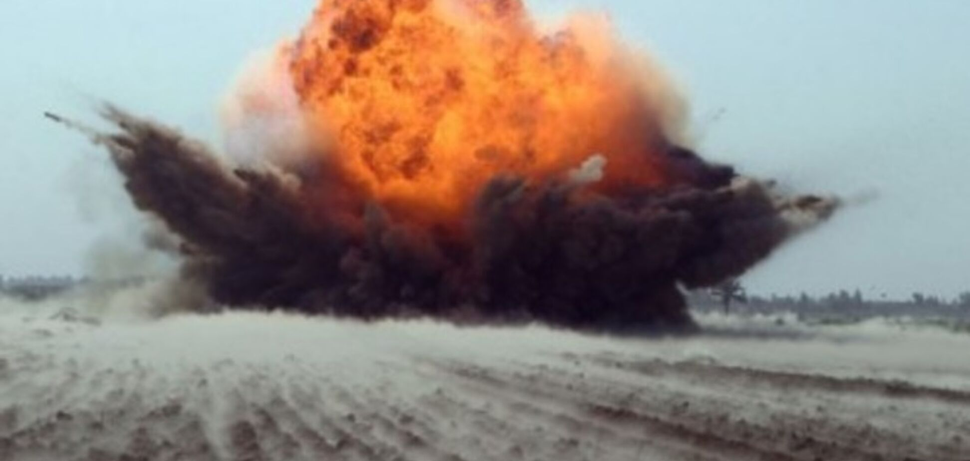 Силы АТО под Мариуполем ответным огнем уничтожили 10 единиц техники, 40 террористов - 'груз 200'