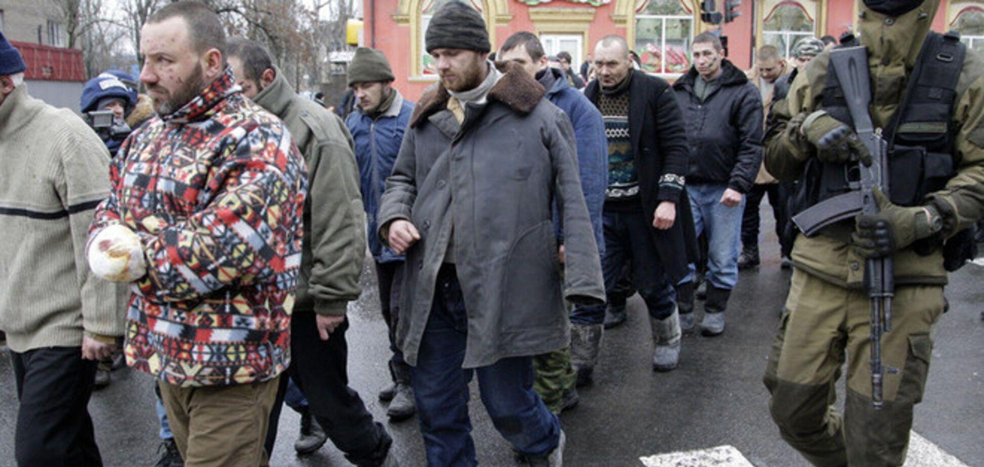 Немцов о 'параде' пленных воинов АТО в Донецке: врага можно ненавидеть, но нельзя унижать