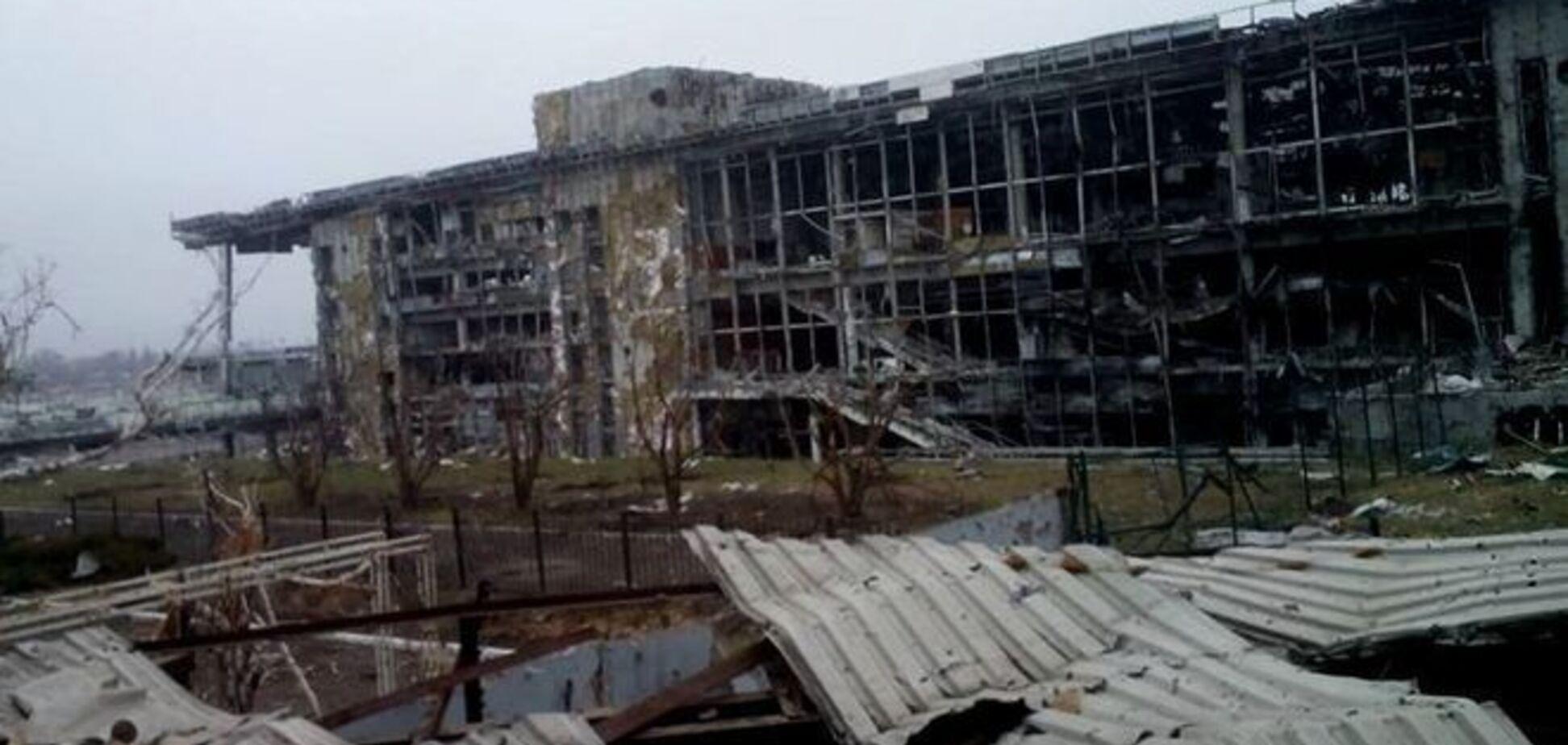 Под руинами в донецком аэропорту остаются не менее 20 'киборгов' - журналист