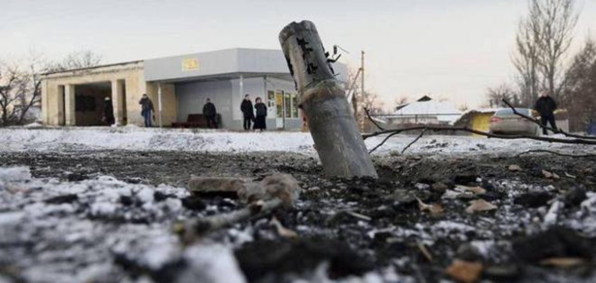 Террористы продолжили из 'Градов' уничтожать жилые дома в Дебальцево и Авдеевке