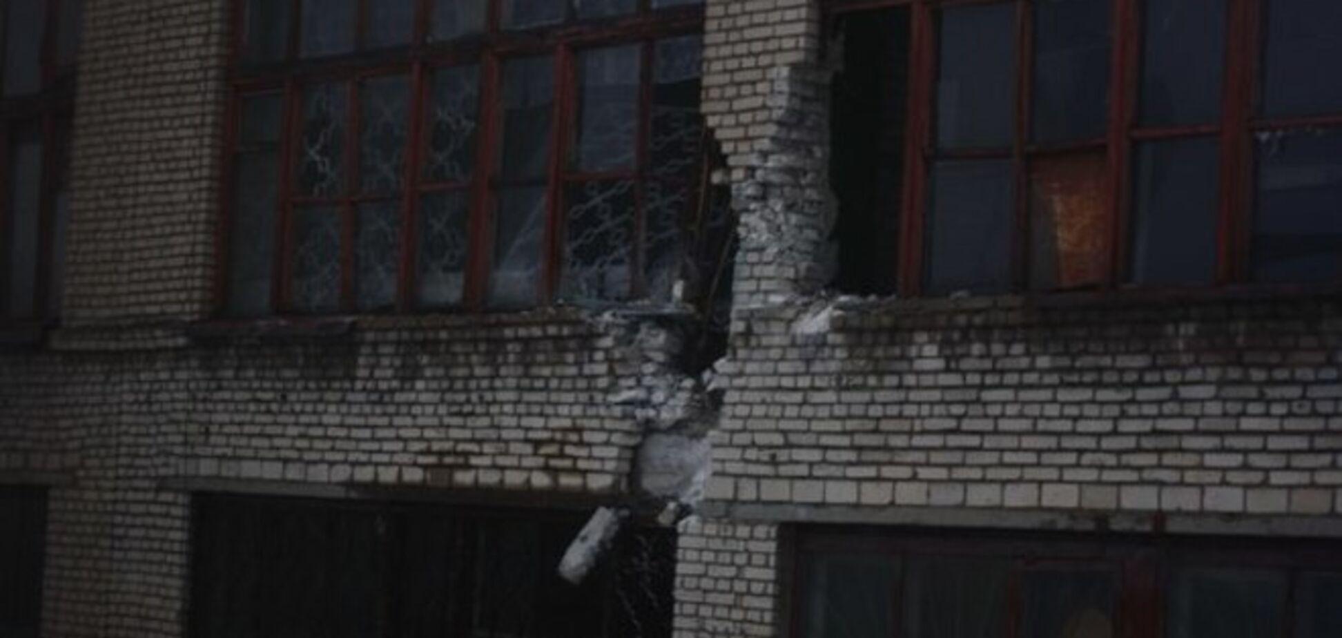 Стаханов обстреляли из 'Ураганов': фотофакт