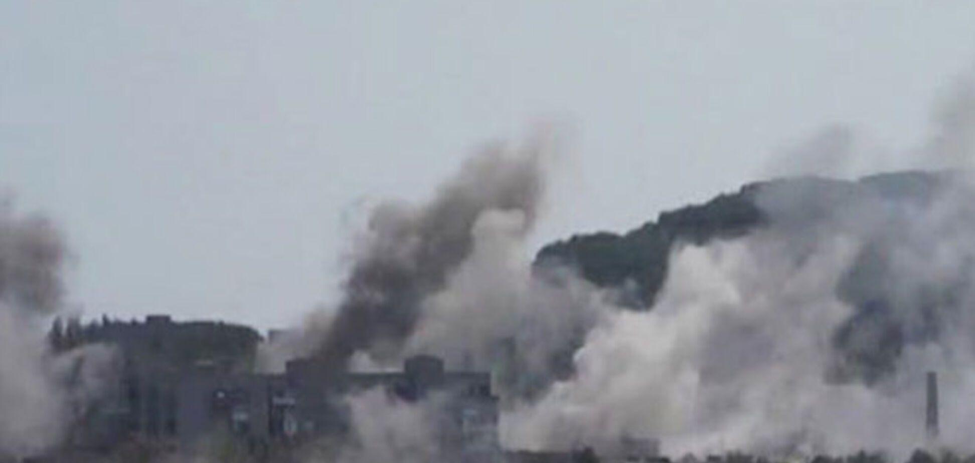 Нарастают бои в Горловке: люди массово покидают город, раненых боевиков 'сортируют'