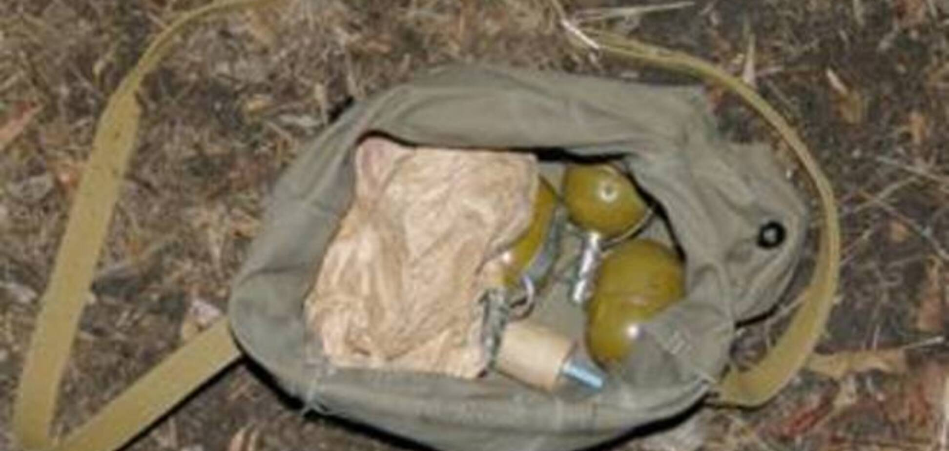 На Черкасщине возле пешеходного моста обнаружена сумка с гранатами и тротилом