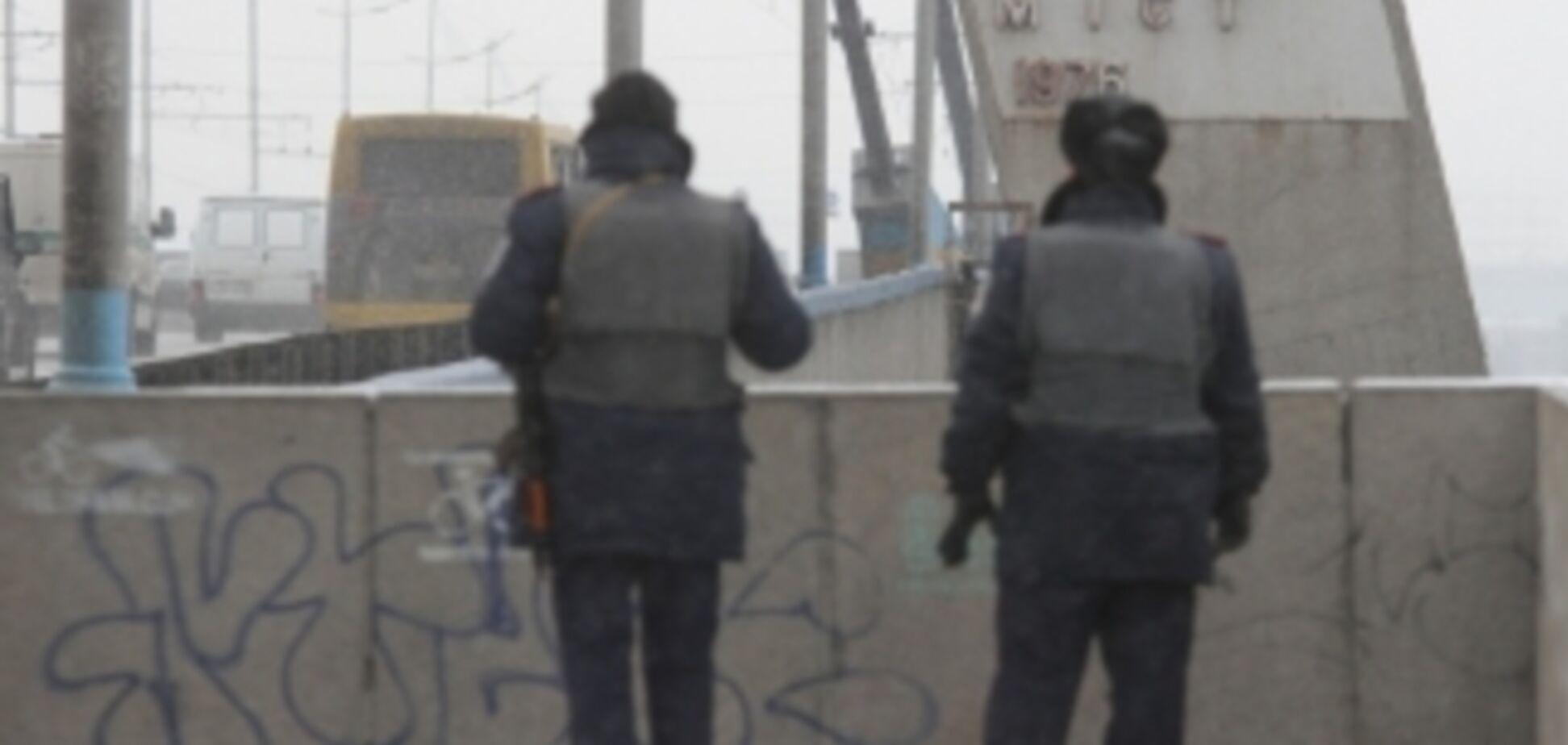 В Киеве усилили охрану дамбы ГЭС и мостов