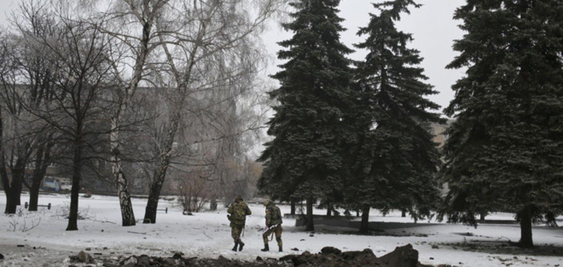 В Луганской области мирные жители подорвались на фугасе боевиков