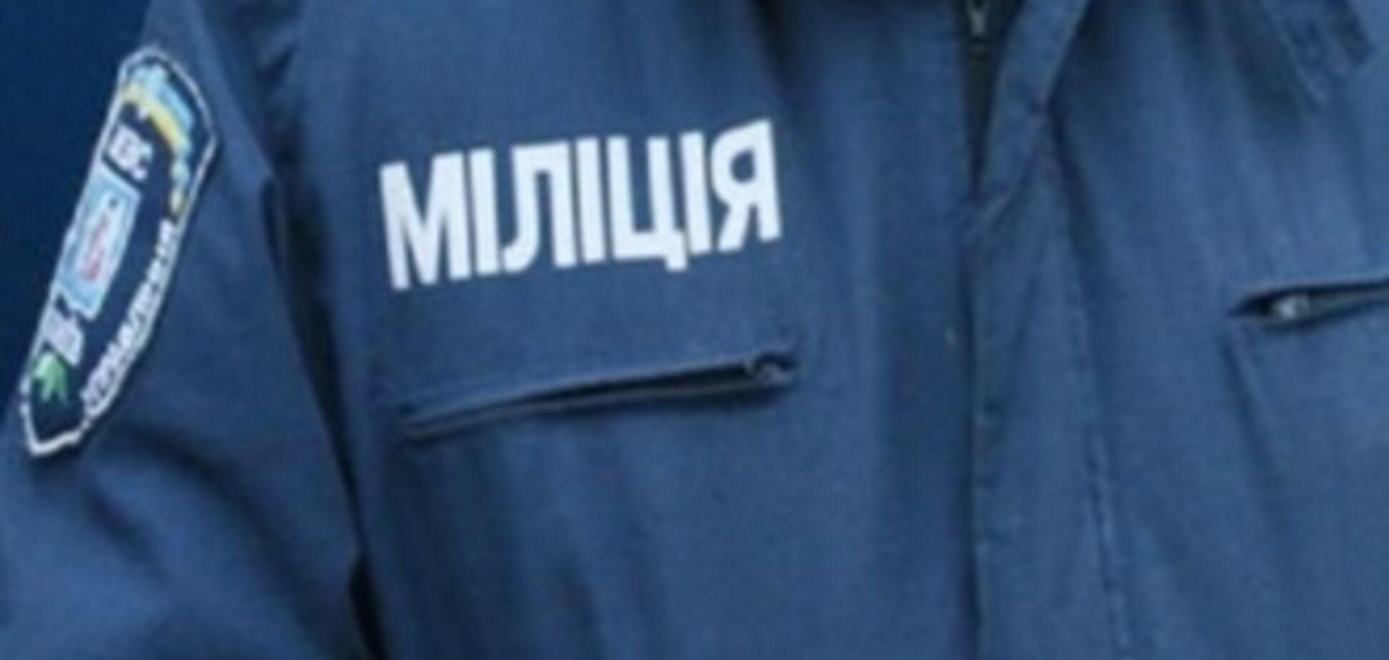 В Киеве группа парней в масках разгромила бар