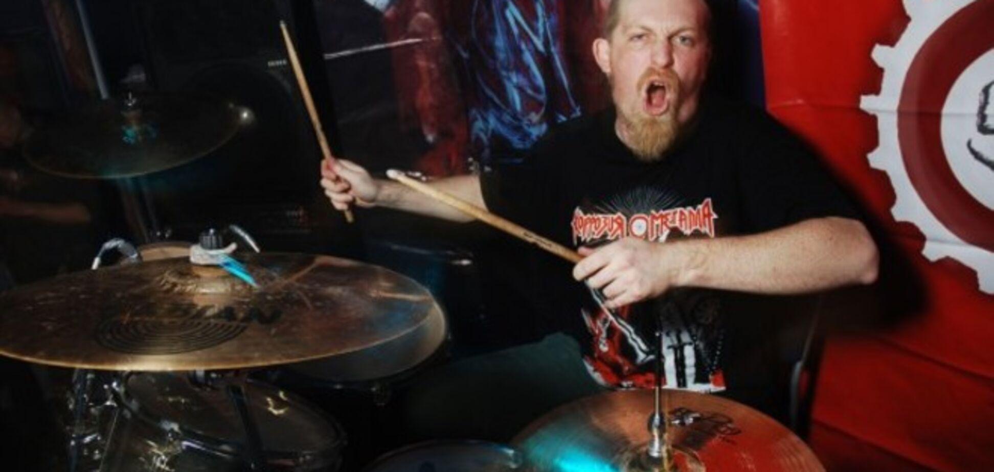 Барабанщик 'Коррозии металла' едет в зону АТО 'служить 3 месяца в музыкальном взводе АЗОВа'