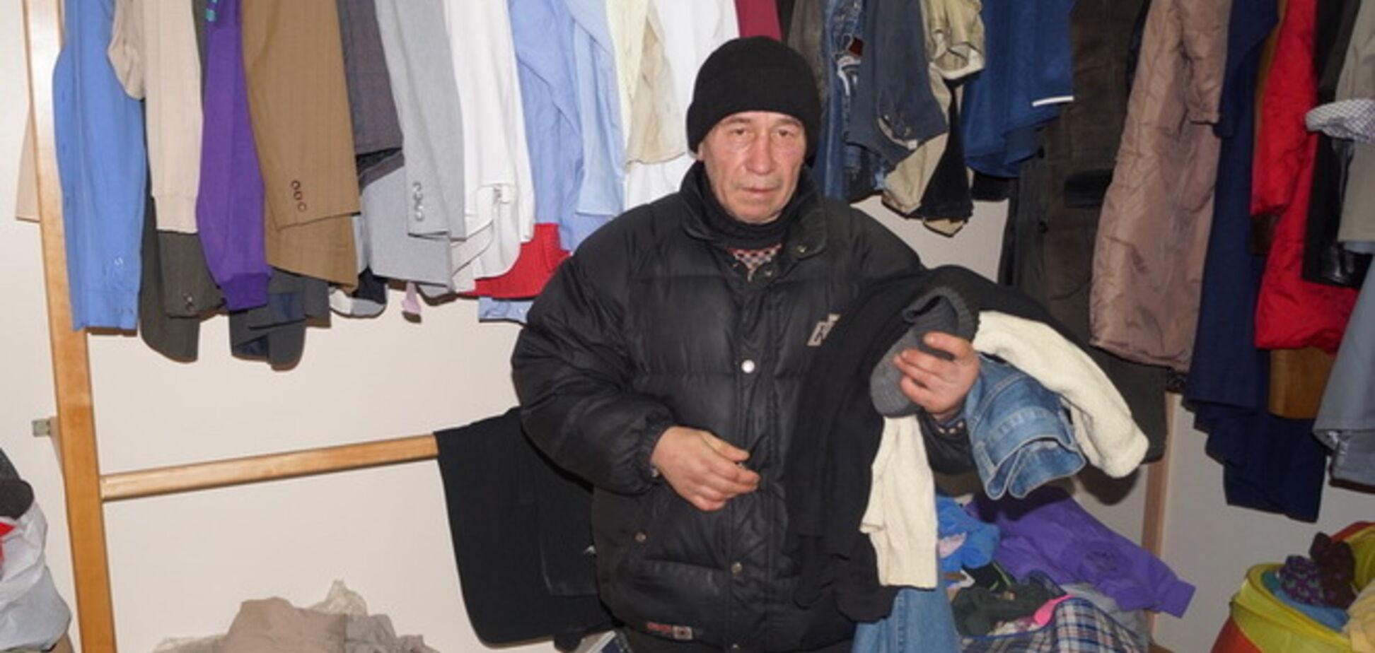 У Києво-Печерській лаврі роздають одяг для біженців