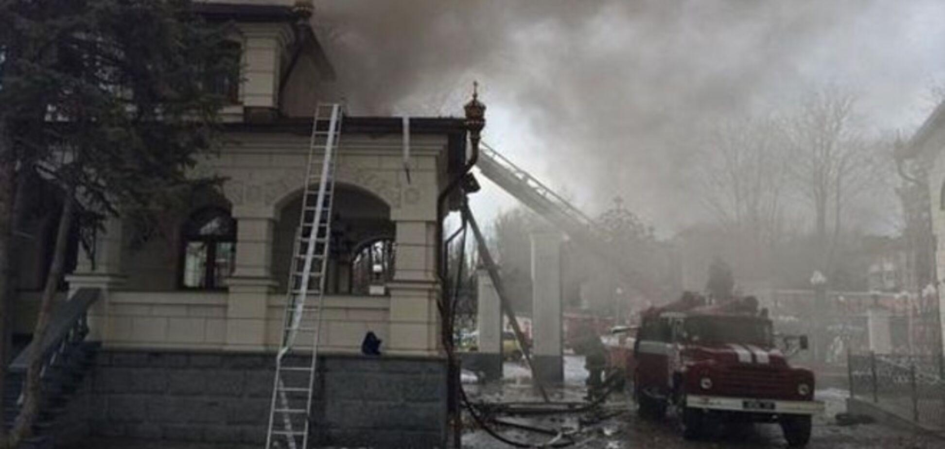 После артобстрела террористов в Горловке загорелся собор: опубликованы фото