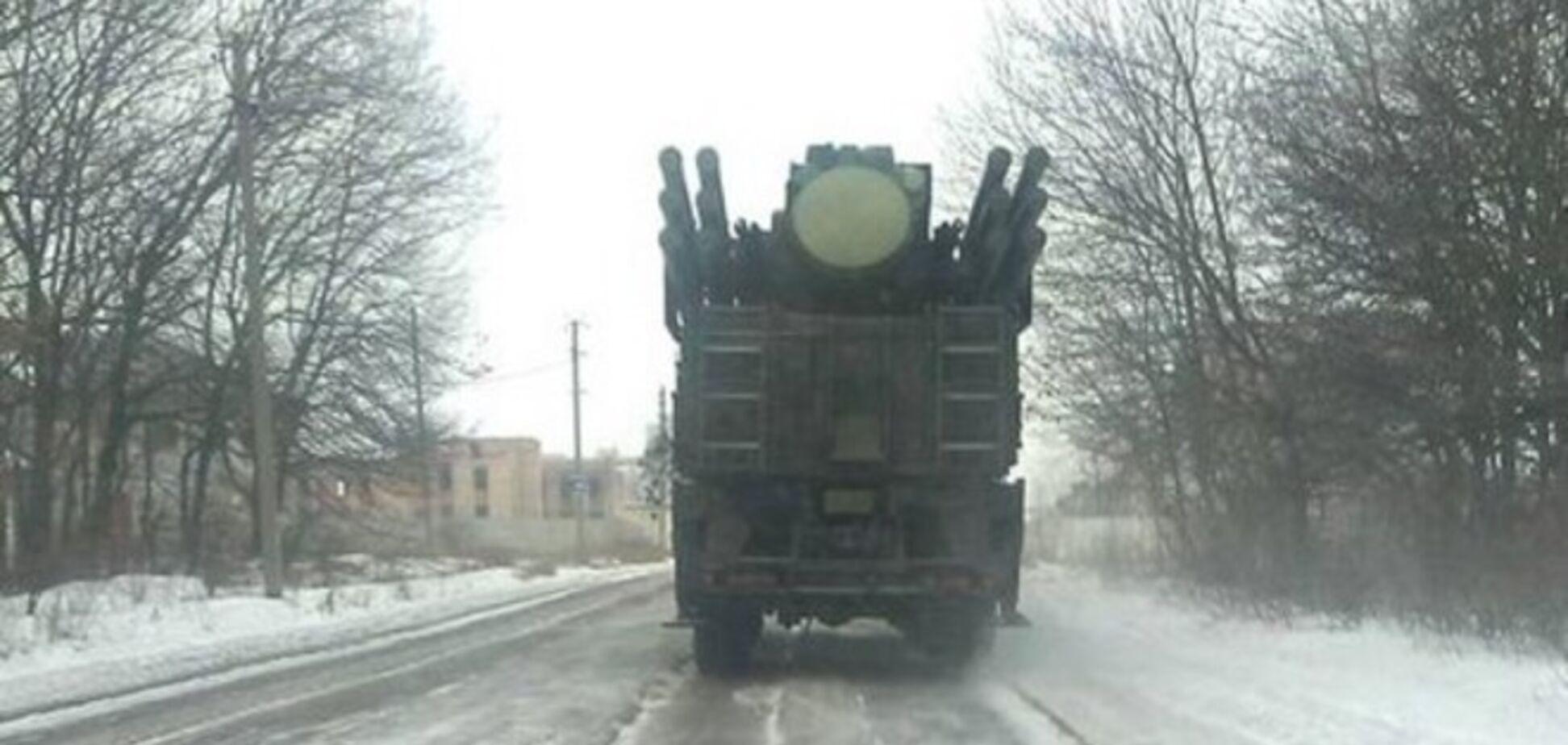 В Шахтерске замечены несколько новейших российских зенитно-ракетных комплексов: фотофакты