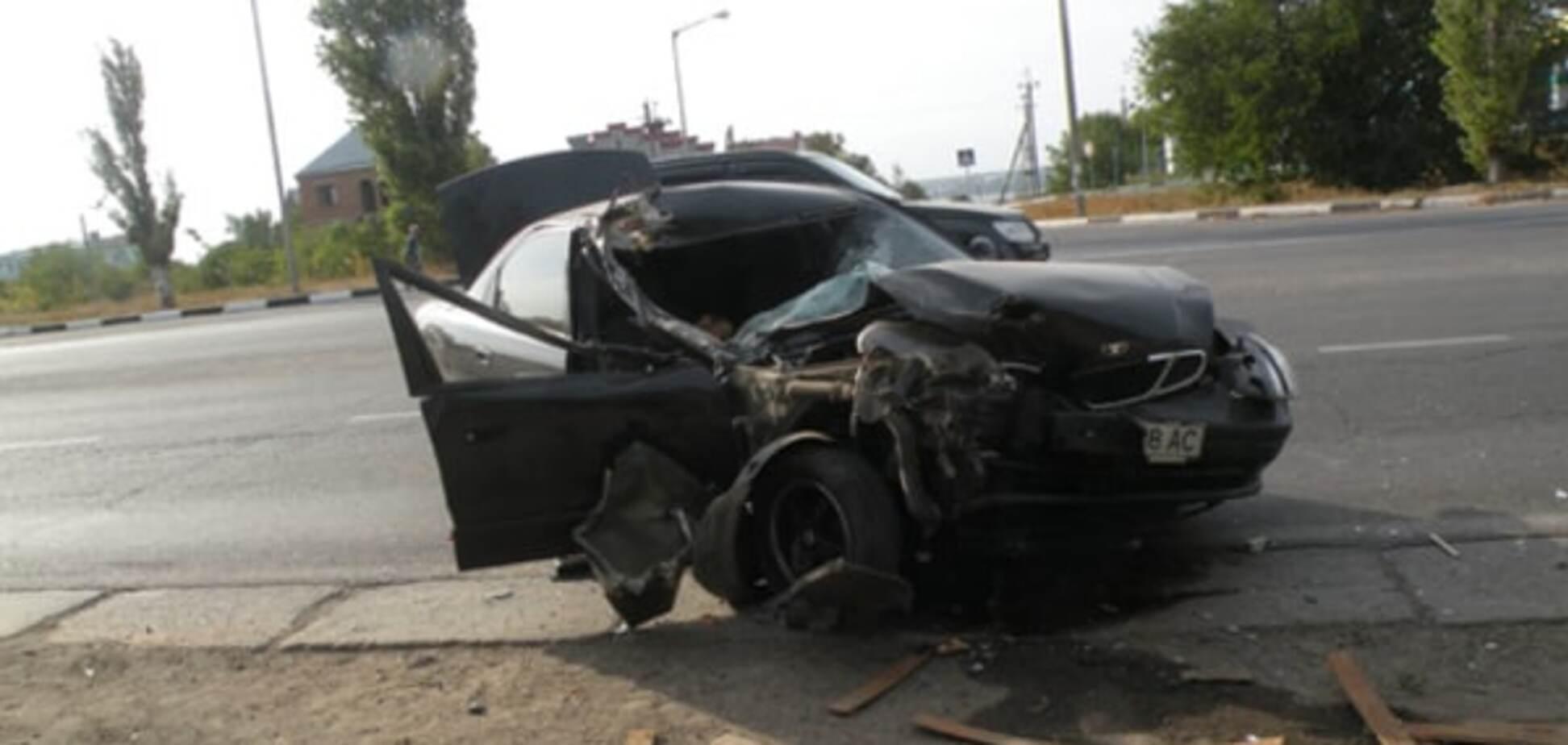 Смертельная авария в Николаеве: Daewoo протаранил прицеп КАМАЗа