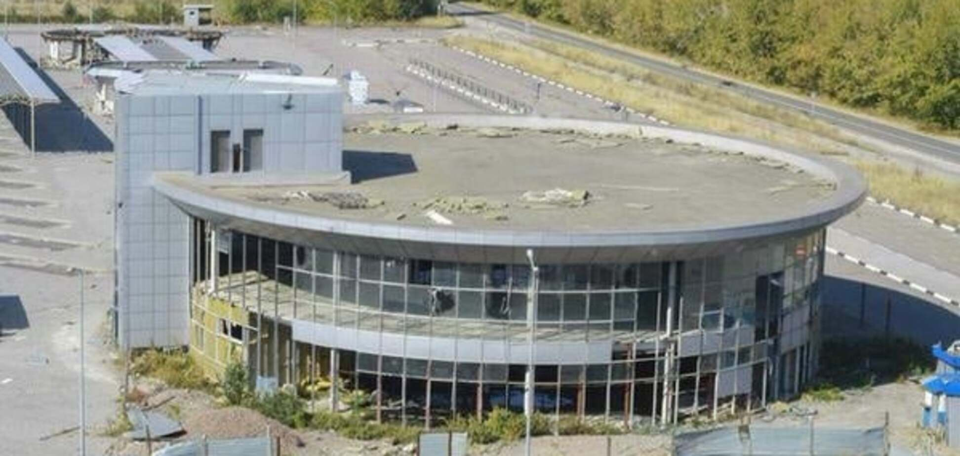 В окупованому Донецьку автовокзал перетворився на руїни: фотофакт