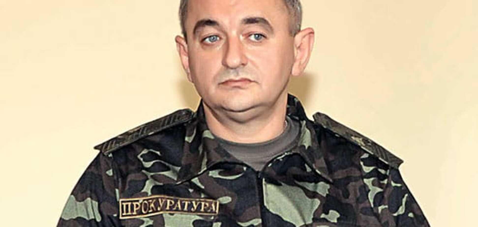 У Києві затримано групу керівних офіцерів ЗСУ, що незаконно торгували майном АТО: оперативне відео