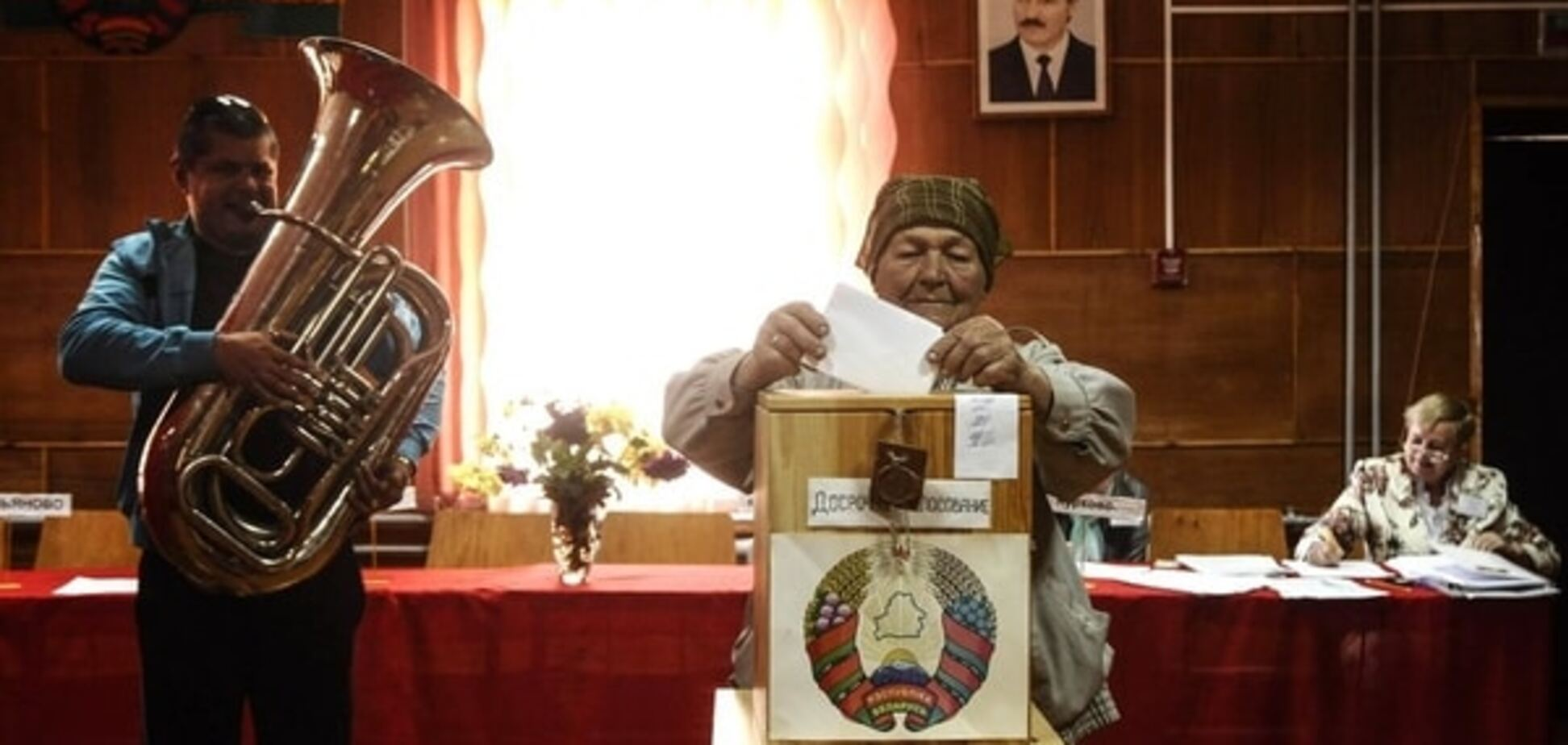 Лукашенко или никто: кандидат 'против всех' оказался на втором месте