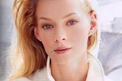 Светлана Ходченкова кардинально сменила имидж: фото красавицы-брюнетки