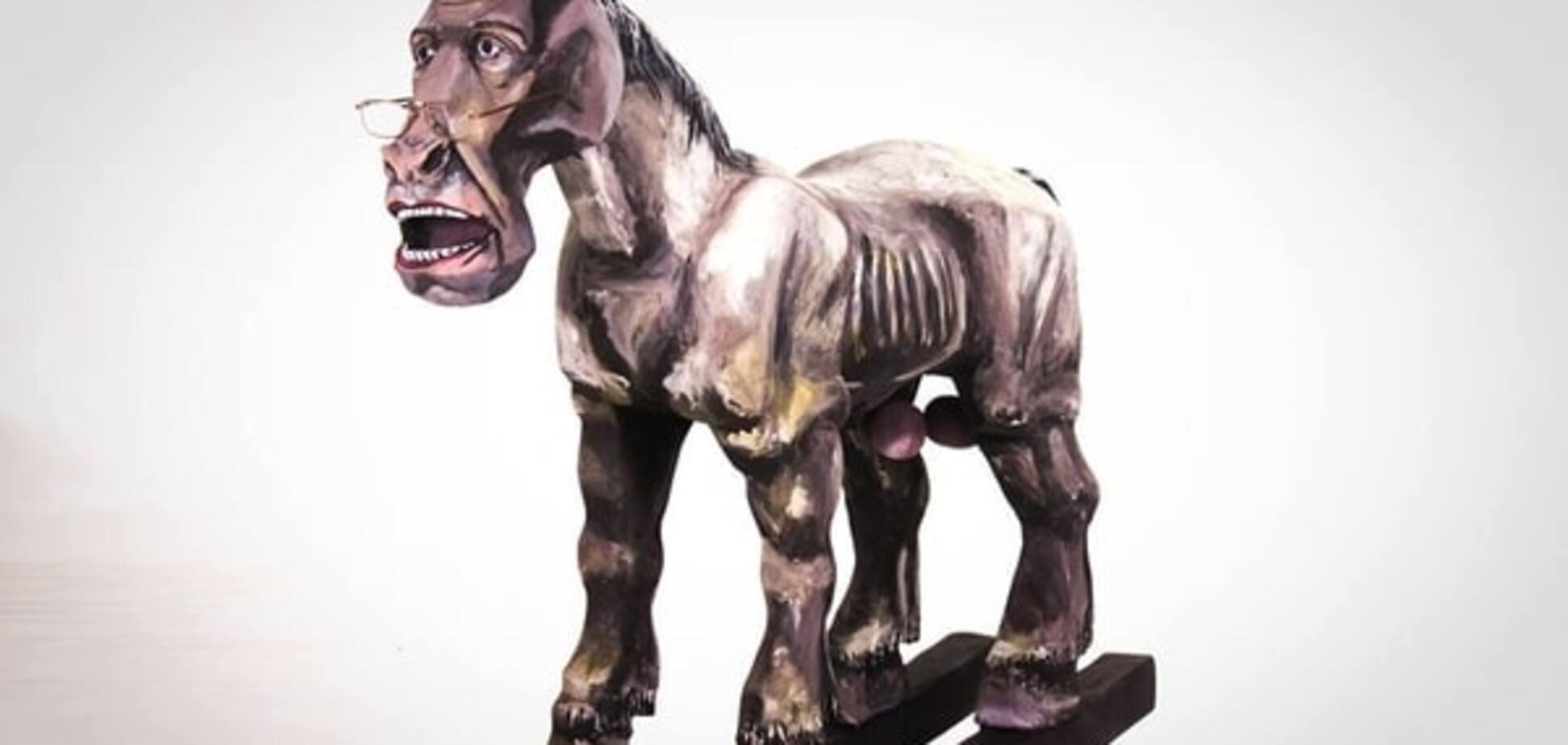 'Дебіли, б..': у Запоріжжі відкрили пам'ятник Лаврову-коню