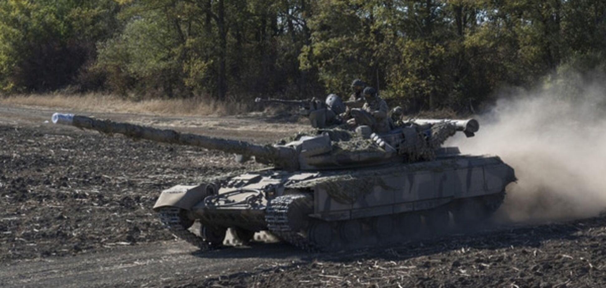 Українські військові на Донбасі приготували техніку і позиції до зими