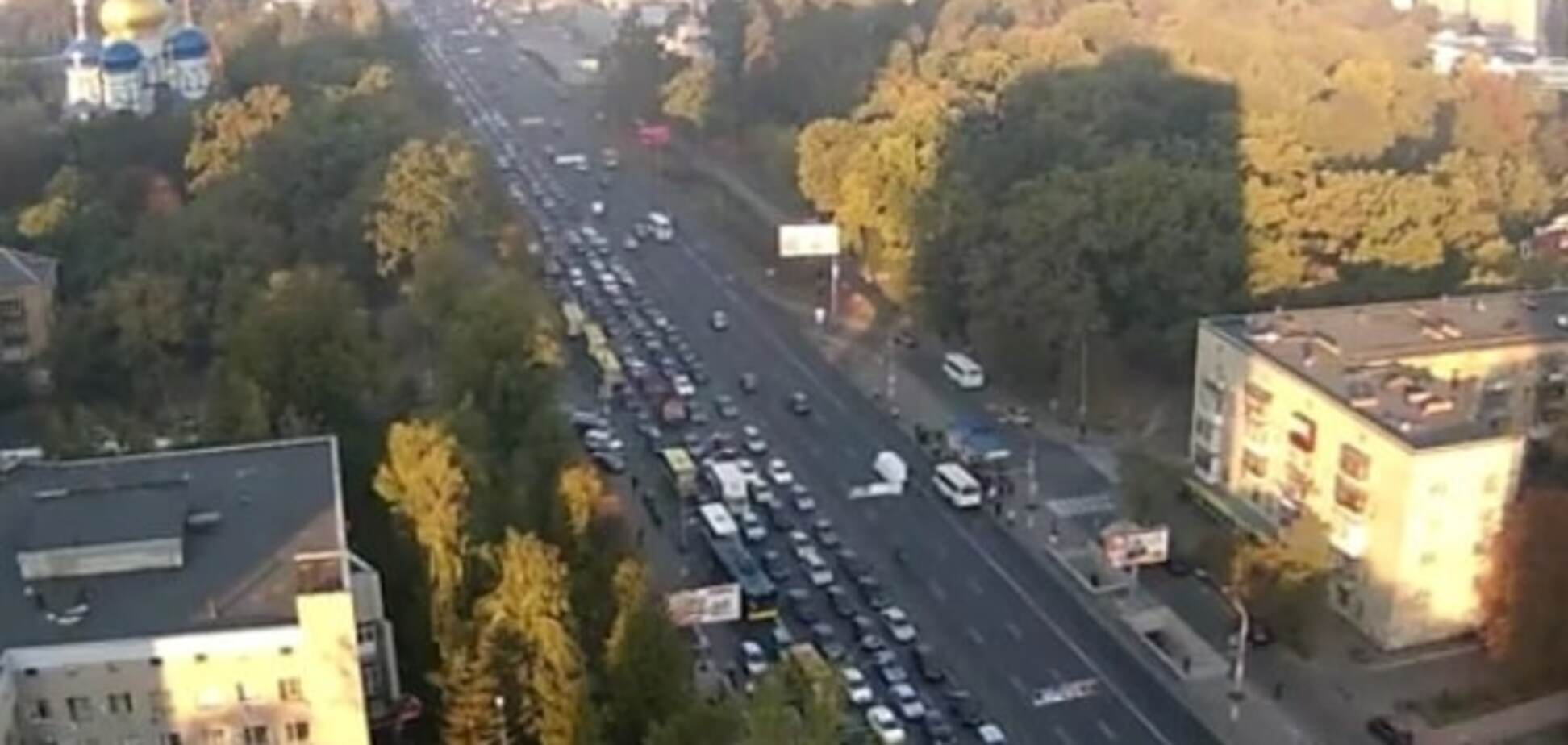 Киев утром остановился  в многокилометровой пробке: видеофакт