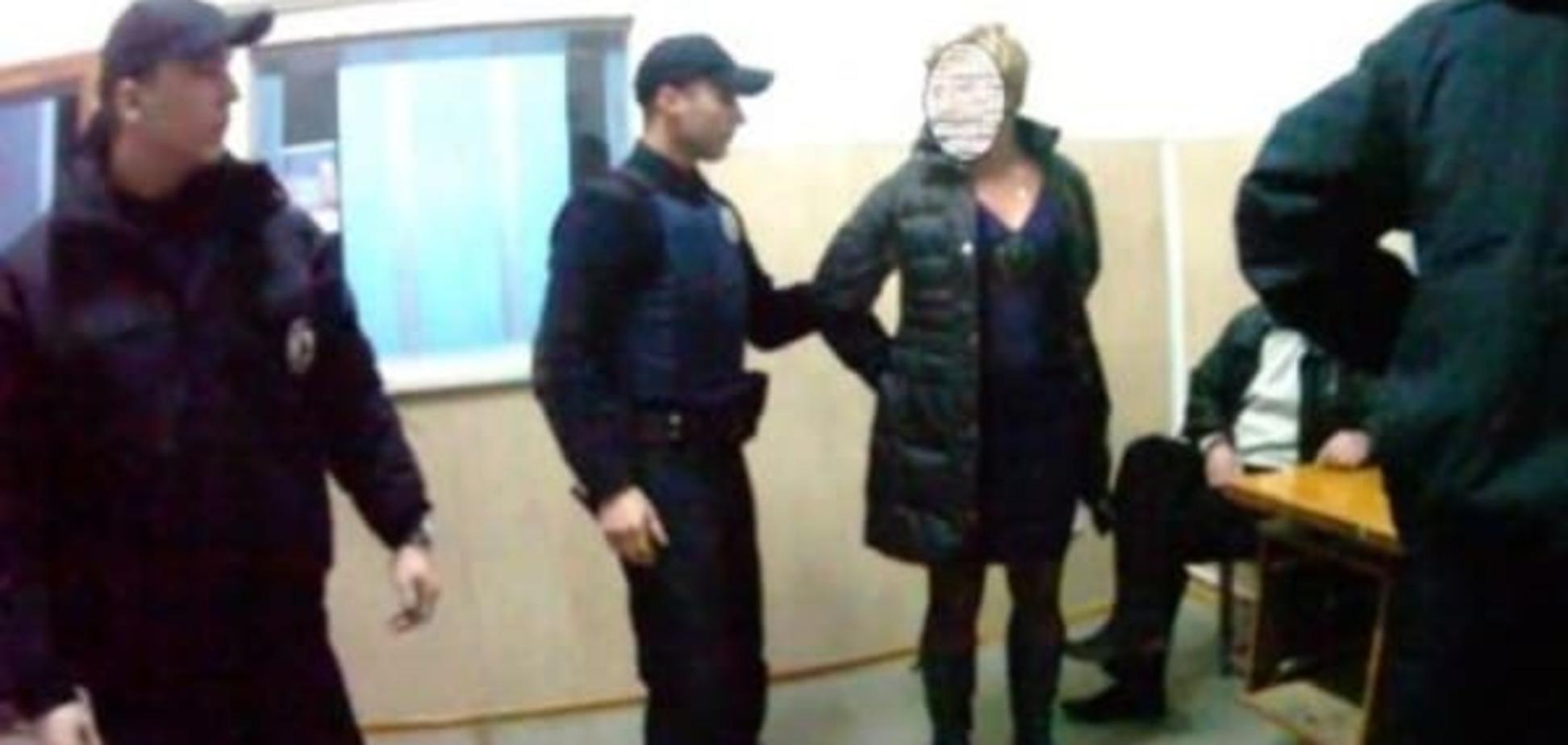 У Львові жінка за відмову довезти її додому побила поліцейських