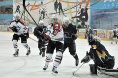 'Донбасс' разгромил 'Витязь' и возглавил чемпионат Украины