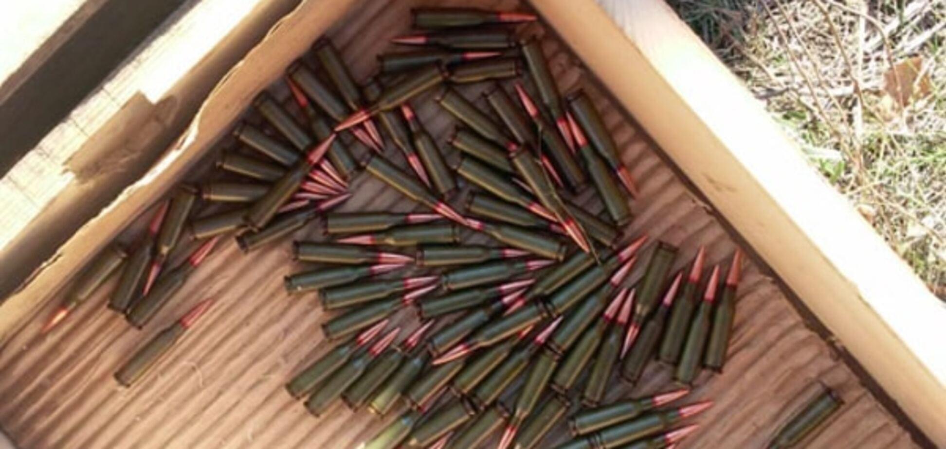 На Донеччині за день виявили два 'схрони' з боєприпасами: фото знахідки