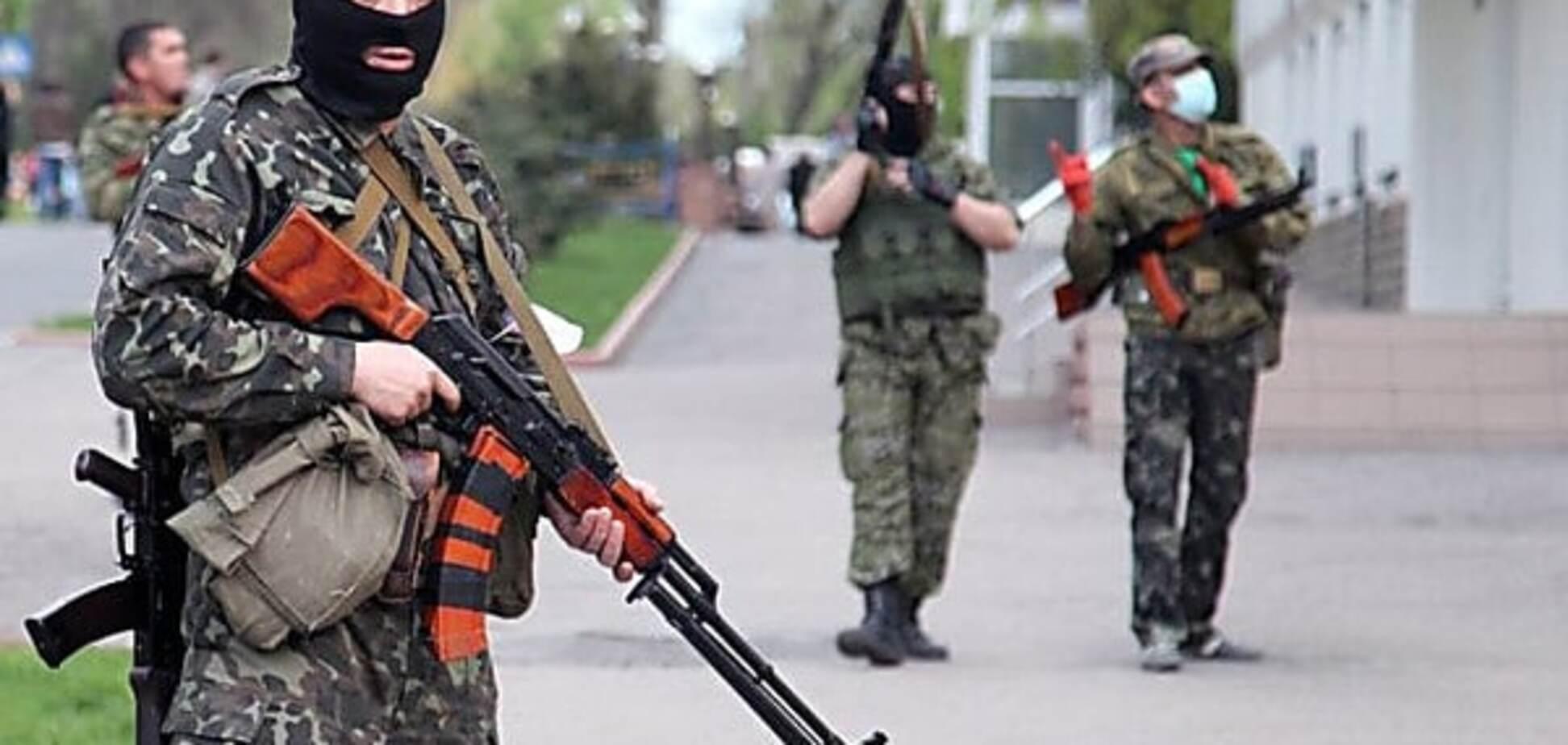 Беспредел террористов: в оккупированном Первомайске на улице убили мужчину
