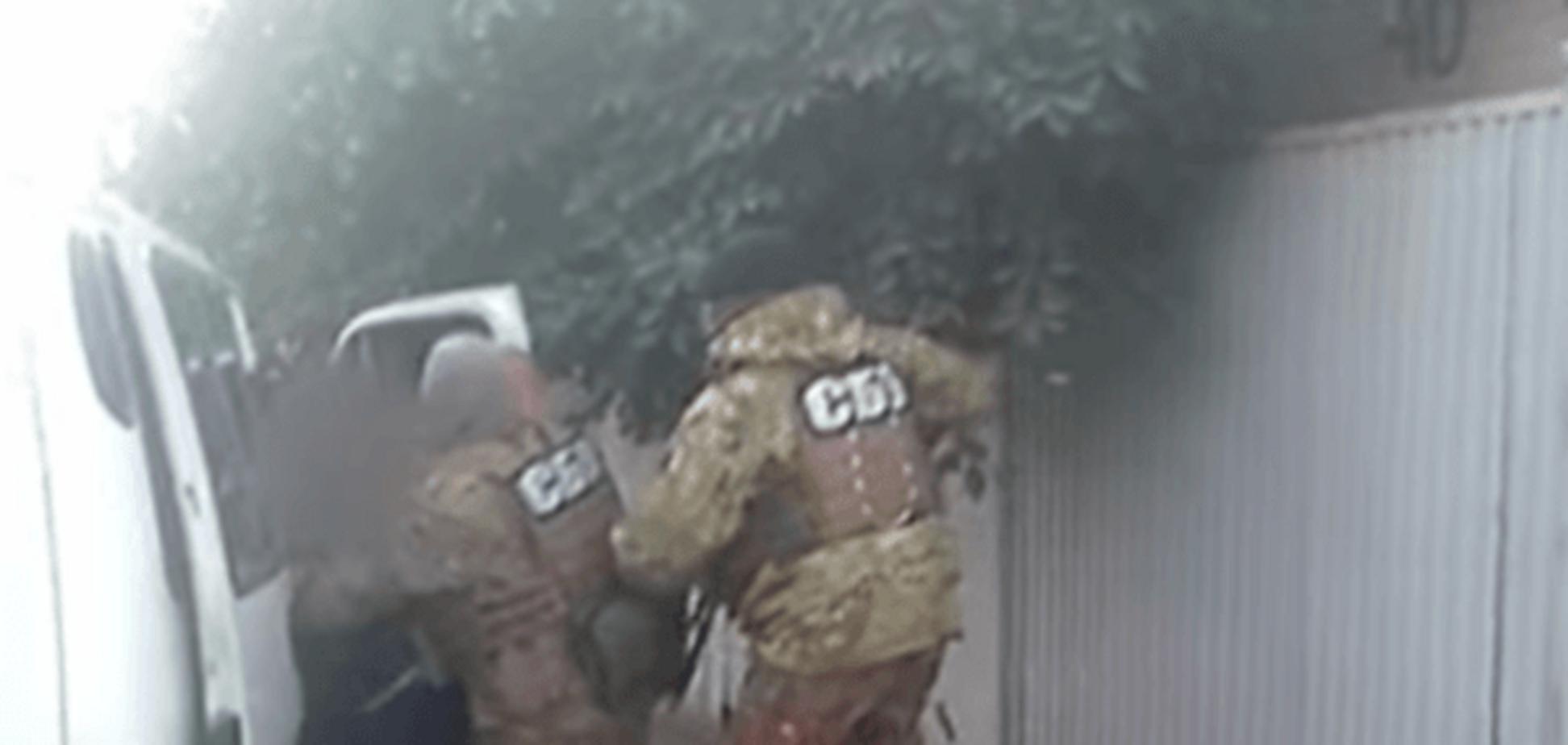У Запоріжжі затримали псевдо-СБУшників, які збиралися викрасти і катувати бізнесмена: відеофакт