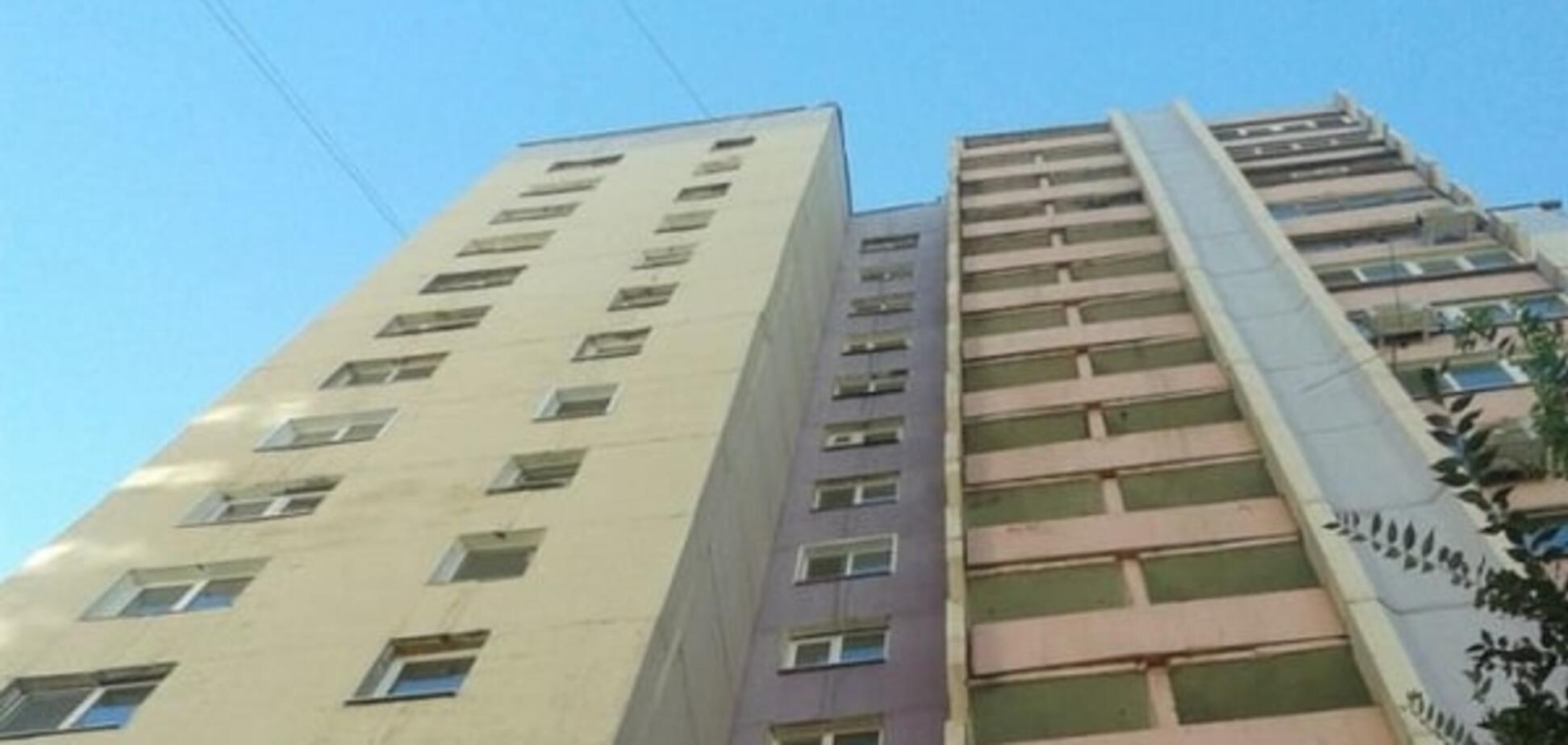 У Києві дівчина і пенсіонерка загинули, випавши з вікон багатоповерхівкок