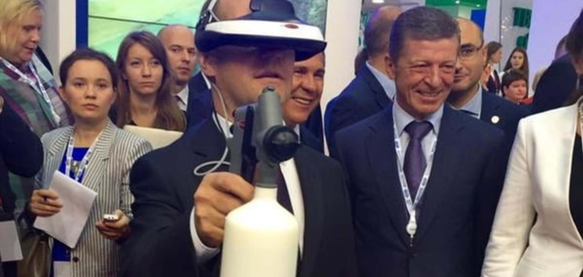 Медведев похвастался 'образом' Робокопа: опубликованы фото
