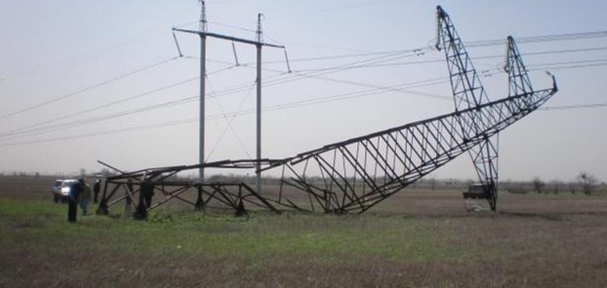 Муждабаєв розповів, хто і навіщо намагався підірвати електроопори під Кримом