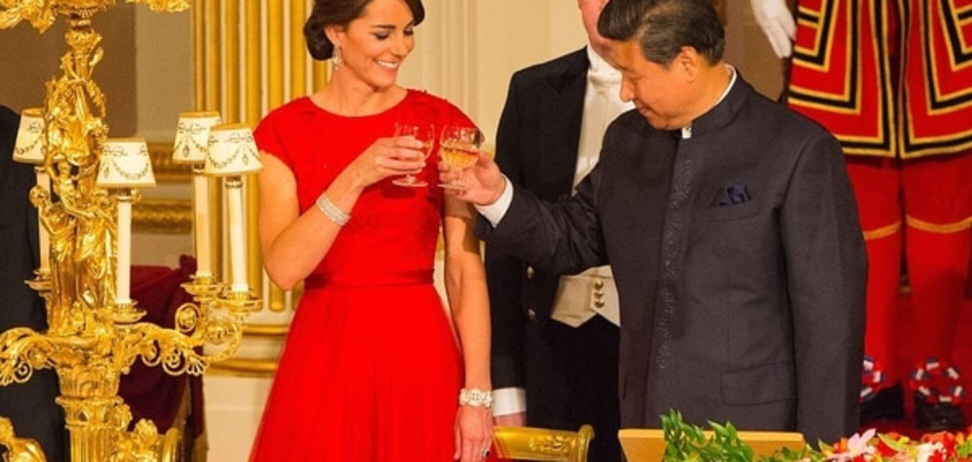 Кейт Миддлтон в тиаре королевы ослепила красотой президента Китая