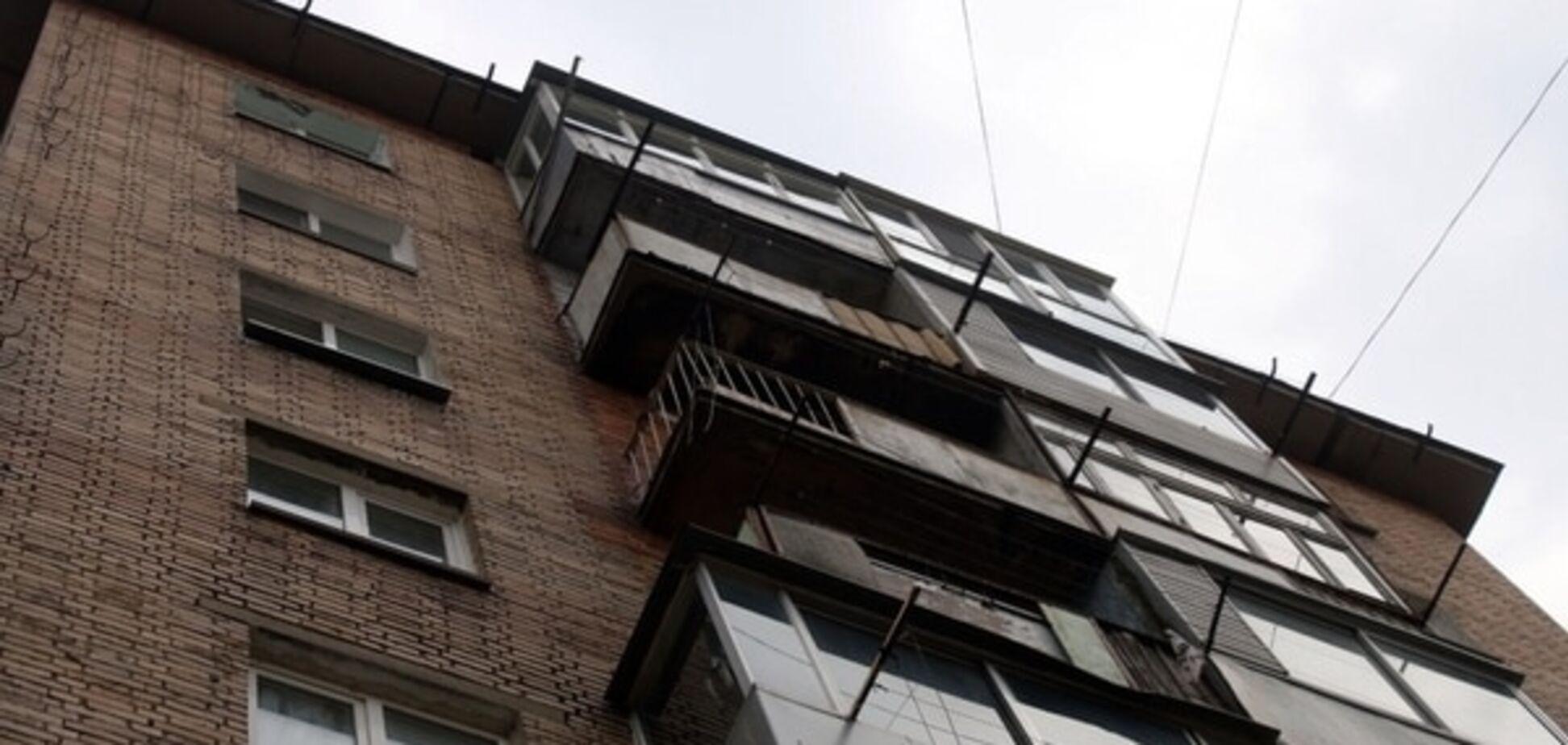 У Києві пенсіонер випав з 5-го поверху