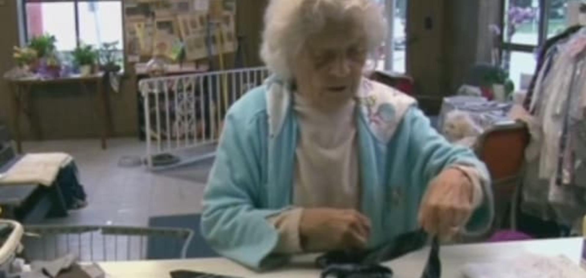 Ни дня покоя: в США 100-летняя старушка трудится как пчелка