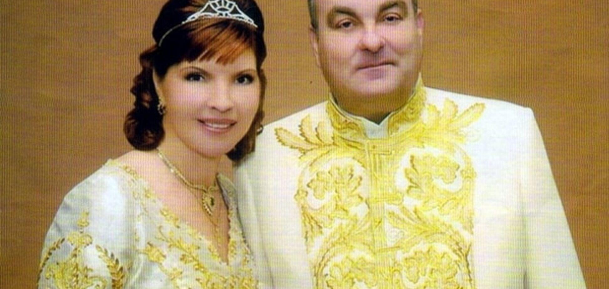 На Київщині сім'я Засухи тепер агітує за Президента і 'викорінює корупцію'